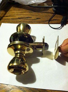 Figure 5.1 Assembled doorknob & Door latch - DDL Wiki